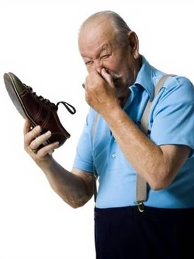 Как избавиться от запаха потливости ног.