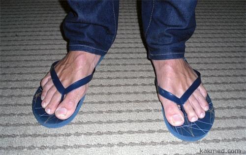 Мода на ношение шлёпанцев