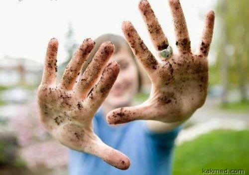 Грязные женские руки