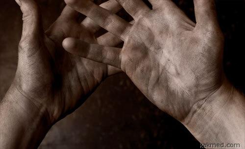 Грязные руки - причина пищевых отравлений