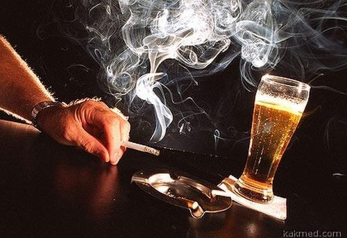 Курильщик он и пьяница, вот он кто