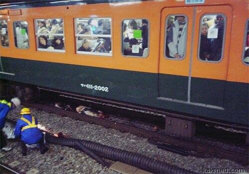 Японская мода прыгать под поезд