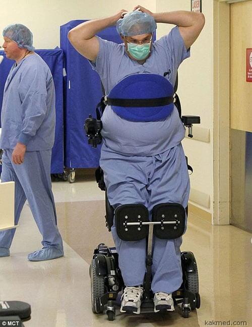 Парализованный хирург Тед Раммел
