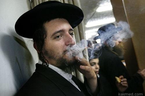 Израильтяне курильщики