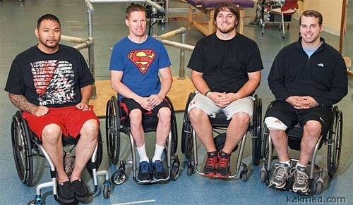 Четверо парализованных мужчин