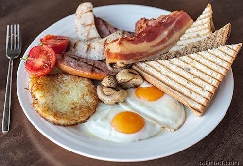 Английский завтрак помогает с похмелья