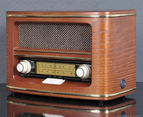 Звук дешевого радио