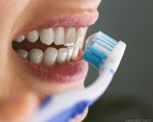 01-brushing-teeth