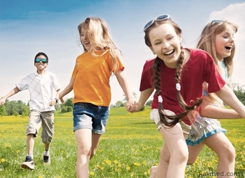 01-kids-outdoors