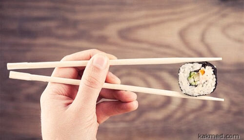 eat-with-chopsticks